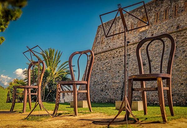 Le sedie giganti di Sanremo