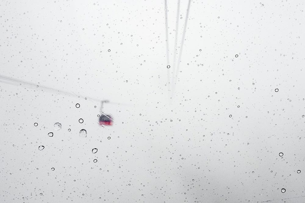 Cabinovia durante una nevicata